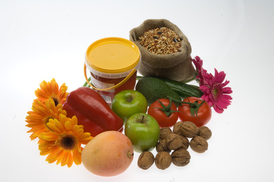 Quarantine items - fruit and flowers, nuts and seeds, honey, tomatoes, apples, mango, zucchini, capsicum